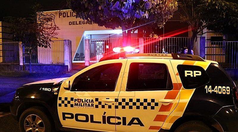 Meliantes invadem residência fazem família refém e roubam duas camionetes em Nova Mutum-MT