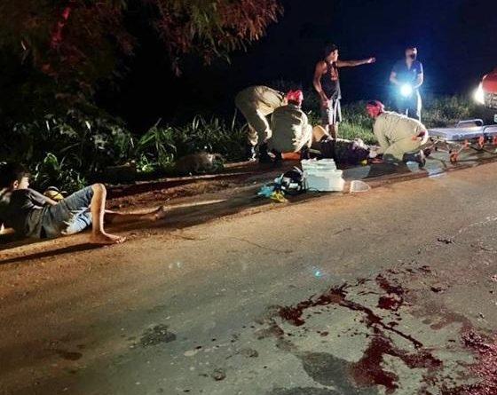 Carro atropela moto com 4 ocupantes em rodovia em MT; jovem é internado estado em grave