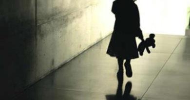 Mulher flagra esposo, com quem é casada há 7 anos, abusando da filha dela de 9