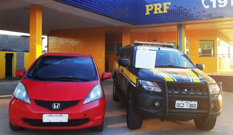 PRF aborda veículo transportando medicamentos de forma irregular