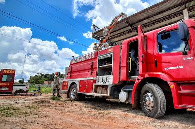 Homem é preso por poluição ambiental ao atear fogo em lixo em MT
